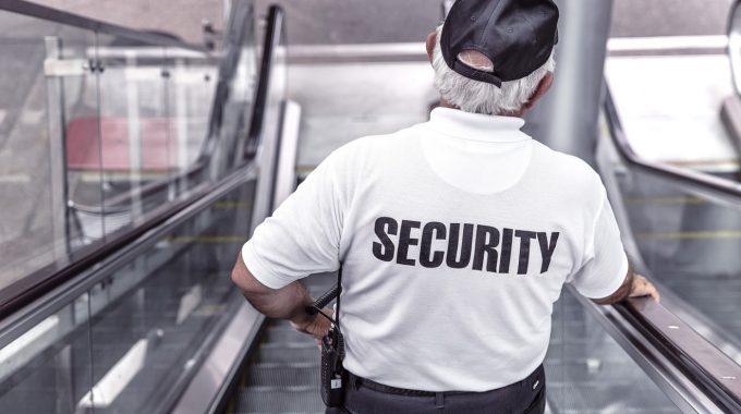 Découvrez comment devenir un agent de sûreté aéroportuaire